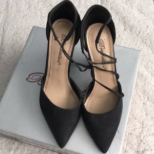 Black high heels 5 1/2